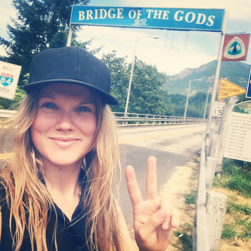 Jag vid Bridge of the Gods, Cascade Locks, under min testvandring sommaren 2015